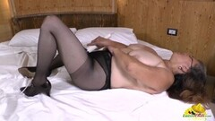 Spizoo - Big booty Kat Garcia take a huge cock in her throat Thumb