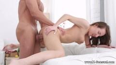 Hot Underwatershow erotic young models in water Thumb