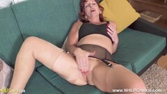 Beauty Emily Kae groped and licked by Brenda James Thumb