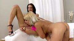Prostitute fast handjob Thumb