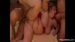 Latina Vicki Chase gets her ass slammed Thumb