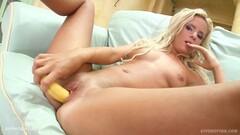 Kinky Brandi Love Taught Babe How 2 Lick Thumb